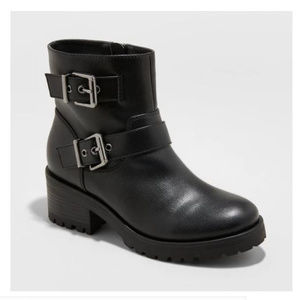 NWT Black Faux leather Combat boots-Size 6.5